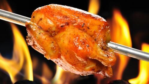 Pollo asado con bebida y postre para llevar