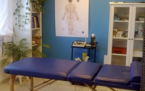 Auriculoterapia, acupuntura y fitoterapia
