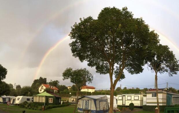 Menú para dos con opción a acampada en Bañugues
