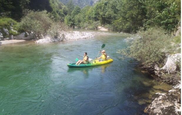 Descenso canoa, barranquismo, fotos y diversión