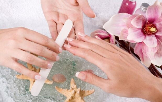 Manicura Spa y esmaltado de uñas