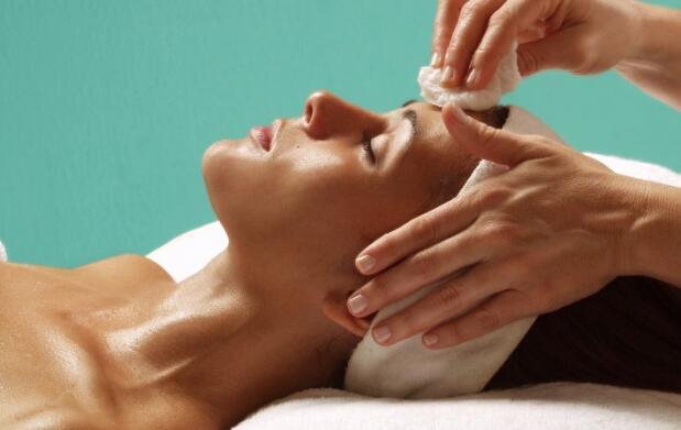 Piel deslumbrante: limpieza y tratamiento facial