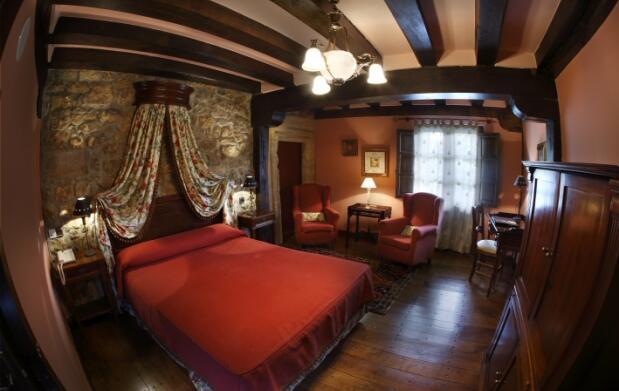 Vive Santillana del Mar en un hotel 5*