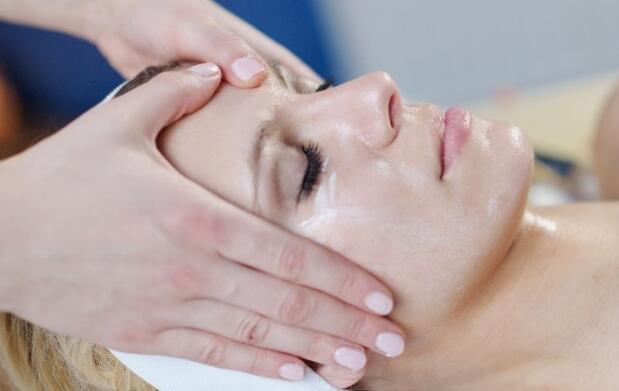 Limpieza facial completa y peeling