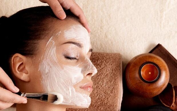 Limpieza facial, vitaminas y masaje Kobido o drenaje linfático
