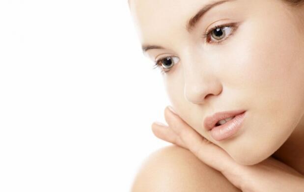 Limpieza facial con ginseng o pedicura Spa