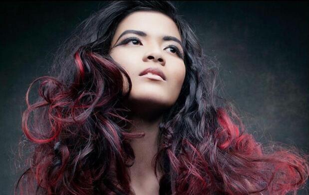 Tratamiento anticaída, peeling y peinado