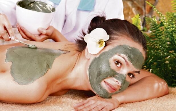 Tratamiento corporal con barro o facial con oro
