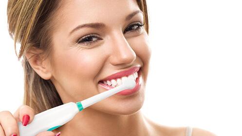 Cepillo eléctrico de dientes + limpiador dental por presión de agua