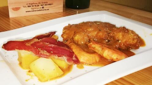 Delicioso menú para dos en Oviedo