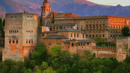 Alojamiento en Granada capital + visita guiada + entrada espectáculo flamenco