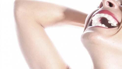 Revisión y limpieza o blanqueamiento dental