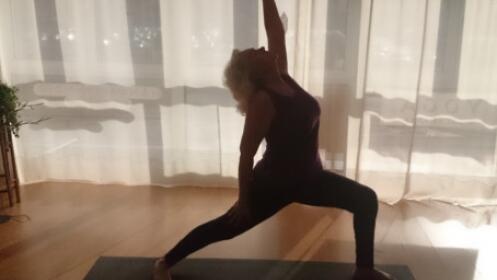 Un mes de yoga dinámico o Dht