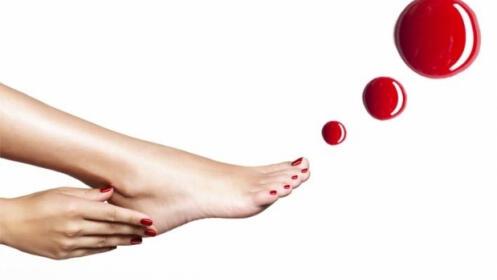 Manicura y pedicura semipermanente o uñas de gel