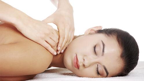 30 minutos de masaje relajante o anticelulítico con aceites aromáticos