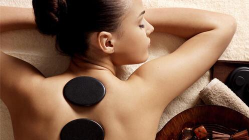 50 minutos relajantes con un masaje de piedras calientes de cuerpo entero