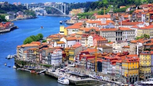 Oporto: 2 o 3 Noches en Bessa Hotel 4* + AD