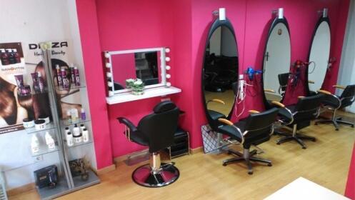 Peinado, corte, color o tratamiento de ácido hialurónico o de proteínas