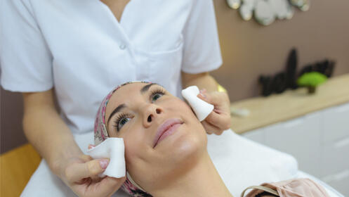 Limpieza facial con ultrasonidos, velo de colágeno y opción a radiofrecuencia