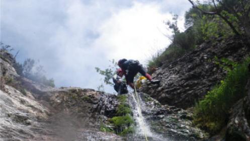 Descenso de barrancos con reportaje fotográfico